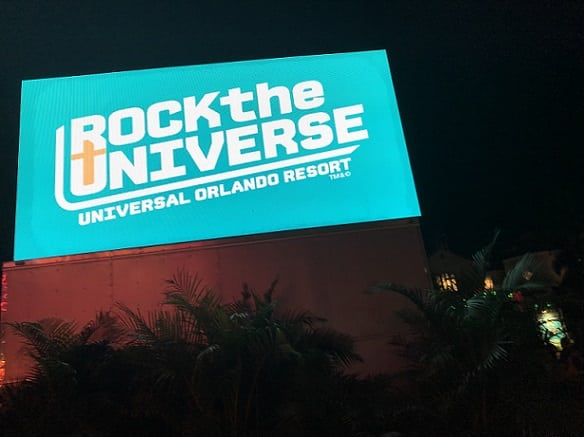 20180928 Rock Universe Sign w rides shrunk